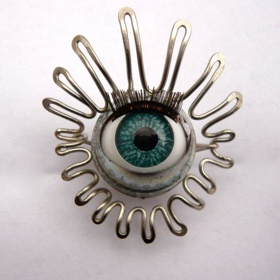 Sissi brin d'acier - Faiseuse de bijoux et objets poéthiques - L'Escale des Créateurs