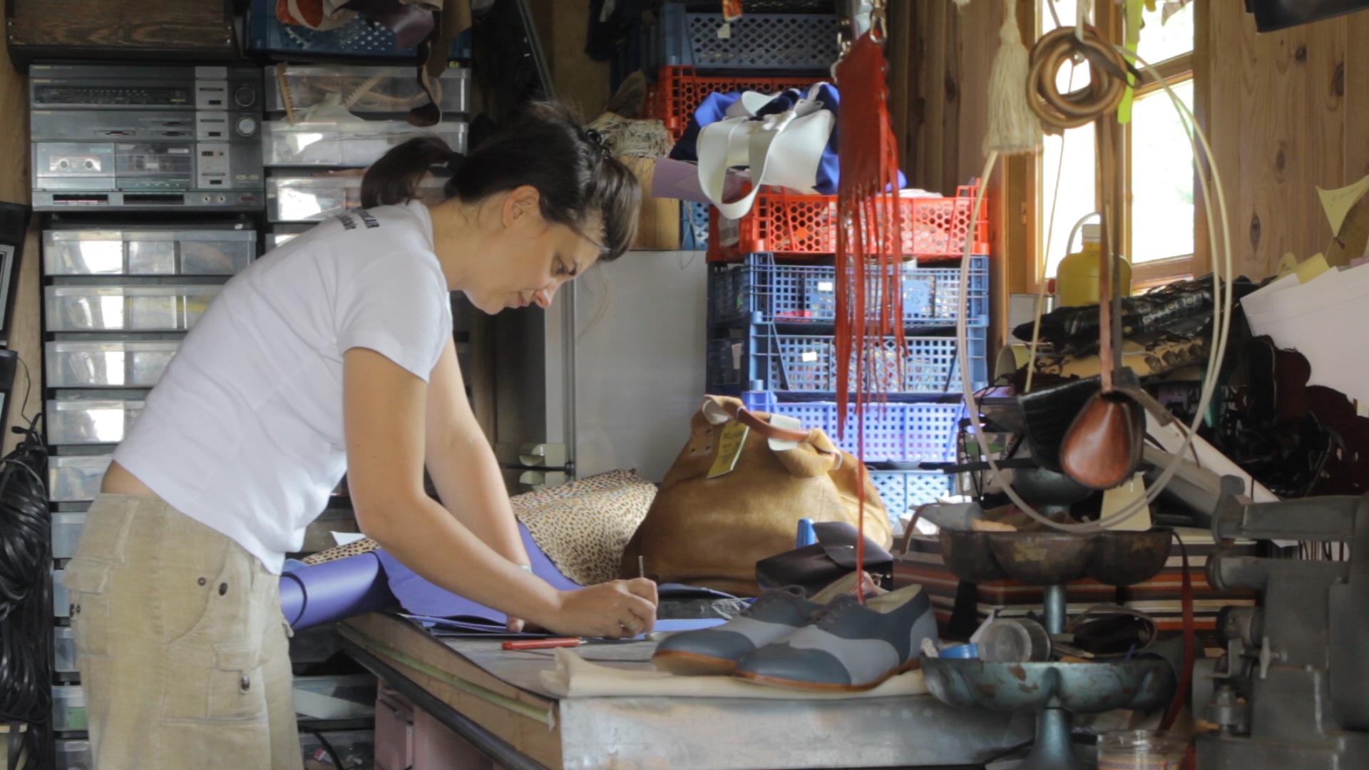 l'initiation au travail du cuir sur inscription - L'Escale des Créateurs